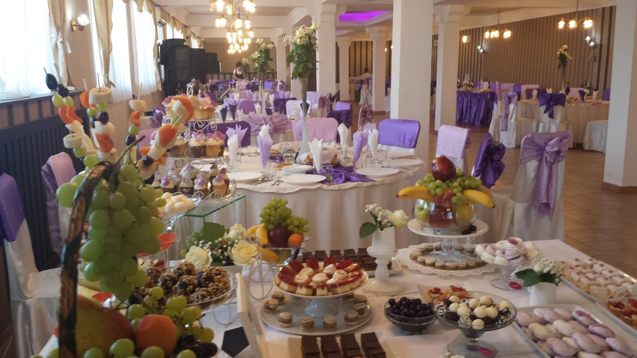 Restaurant Nunti, Botezuri - Sala Evenimente Timisoara - Aranjamente Sala 83